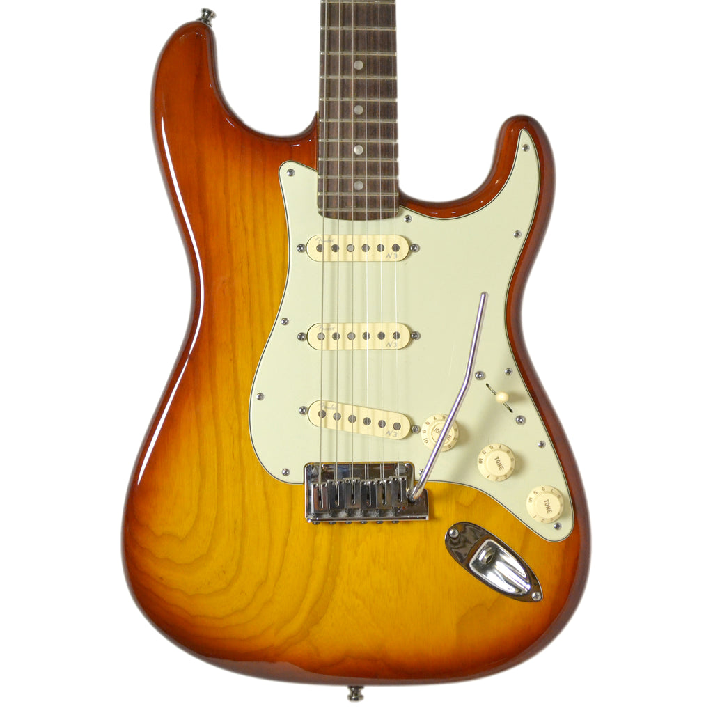 Fender USA Deluxe Strat Ash Sienna Sunburst 2013 Second Hand inc Case