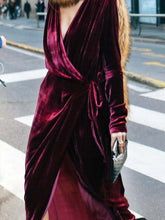 Load image into Gallery viewer, Women' Retro Velvet Long Sleeve Dress