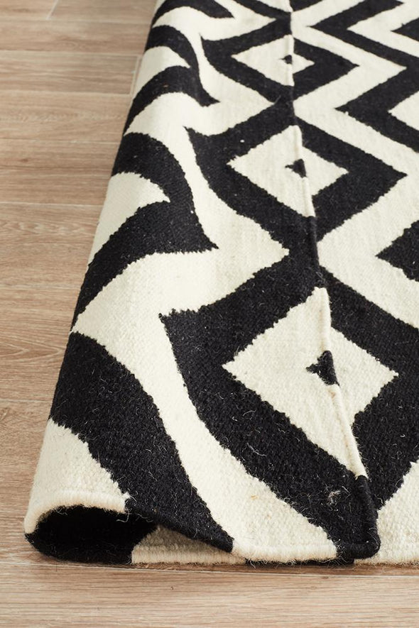 Nomad Pure Wool Flatweave 18 Black-White Rug