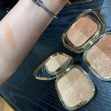 Load image into Gallery viewer, D&G Solar Glow Illuminating Powder Duo