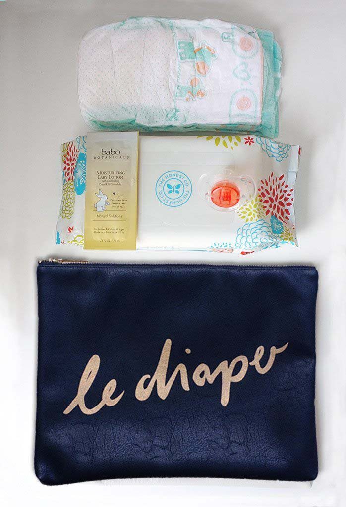 What can go into Limited Holiday Edition 'Le Diaper' bag