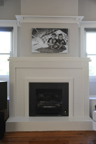 Example of contemporary style fireplace