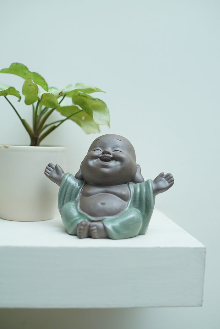 Welcoming laughing Buddha