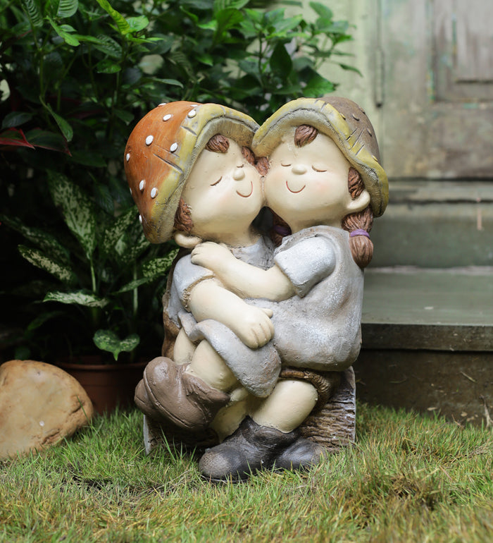 FRP Garden décor boy & girl hugging