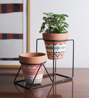 Pot holder with stand and pots