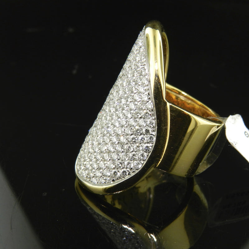 Anello in oro con brillanti