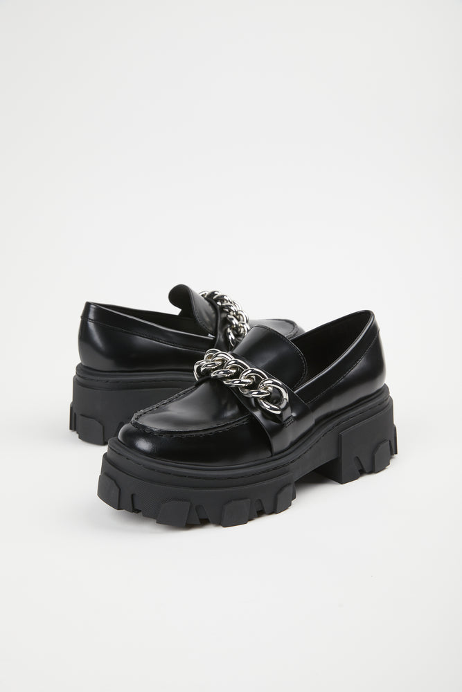 black, calfskin leather, chain, chain detail, chunky, hardware, leather, loafer, loafers, moccasins, notched sole, platform, polyurethane, rounded toe, rubber, rubber sole, sheepskin leather, shoe, Shoes, silver hardware, silver metal chain, slip on, THE KOOPLES