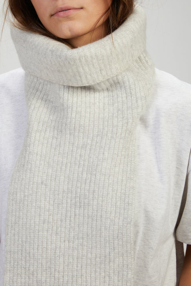 Load image into Gallery viewer, AMBER HARDS - COLLARED SCARF