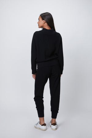 Load image into Gallery viewer, VARLEY - ALICE KNIT SWEATPANTS