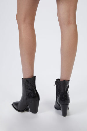 Load image into Gallery viewer, THE KOOPLES - BLACK LEATHER BOOTS