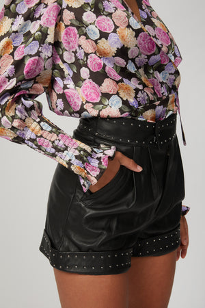 Load image into Gallery viewer, THE KOOPLES - SHORTS WITH STUDDED BELT