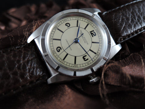 1945 Rolex BUBBLEBACK 3372 with Original Dial and Blue Hands