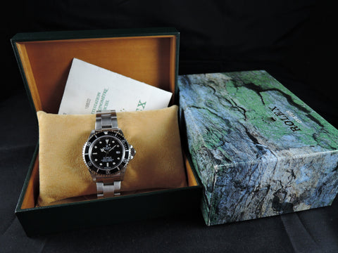2000 Rolex SEA DWELLER 16600 with Box and PAPER Like New