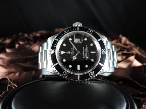 1995 Rolex SUBMARINER 16610 Black T25 Dial Black Bezel in Mint Condition