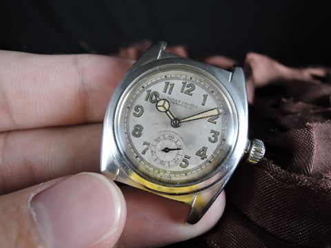 1940 Rolex BUBBLEBACK 2764 with Mini Second Hand and Benz Hands