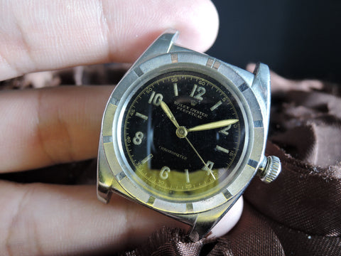 1940 Rolex BUBBLEBACK 3372 with Glossy Gilt Dial and Sword Hands