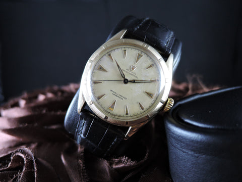 1951 Rolex OYSTER PERPETUAL 6085 10K Yellow Gold with Creamy Dial