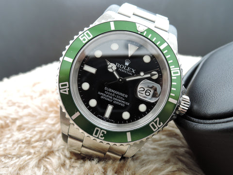 2007 Rolex SUBMARINER 16610LV Green Bezel with Card