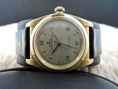 1946 Rolex BUBBLEBACK 3372 18k Yellow Gold with Raised Roman Numerals