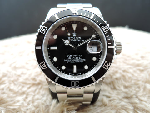 2004 Rolex SUBMARINER 16610 (No Hole Case) with Box and Paper