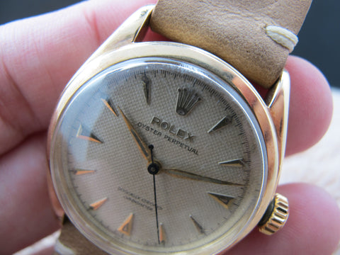 1952 Rolex SEMI-BUBBLEBACK 6084 14K YG with Honeycomb Dial