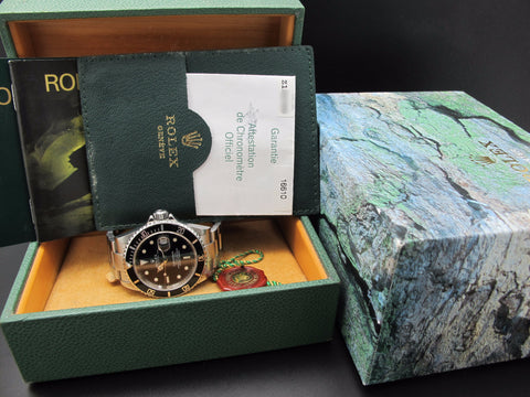 2006 Rolex SUBMARINER 16610 (No Hole Case) Full Set