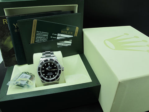 2011 Rolex SUBMARINER 14060M 4 Liners with Full Set