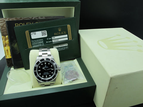 [NEW] 2008 Rolex SUBMARINER 14060M with Box and Paper (NOS)