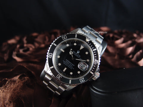 Rolex SUBMARINER 16610 Black Dial Black Bezel with Box and Paper