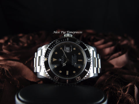 Rolex SUBMARINER 16610 Black Dial Black Bezel in Mint Condition