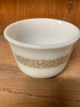 Load image into Gallery viewer, Pyrex Woodland White Sugar Bowl