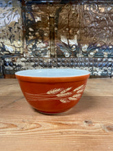 Load image into Gallery viewer, Pyrex Autumn Harvest Bowl 402
