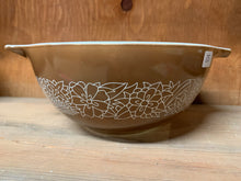 Load image into Gallery viewer, Pyrex Woodland Cinderella Bowl 442