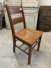 Load image into Gallery viewer, Solid Oak Chair