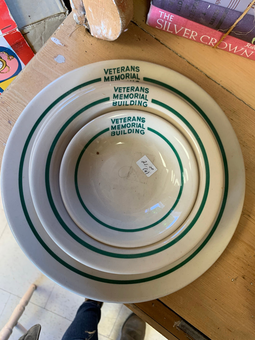 Veteran Memorial Building 4 Piece Dish Set