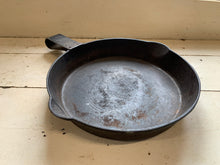 Load image into Gallery viewer, Cast Iron Skillet - 11.5