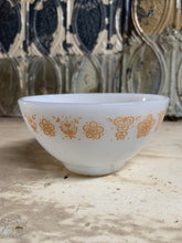 Load image into Gallery viewer, Pyrex Butterfly Gold Knock-off Bowl