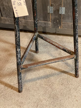 Load image into Gallery viewer, Metal Base for Stool / Plant Stand