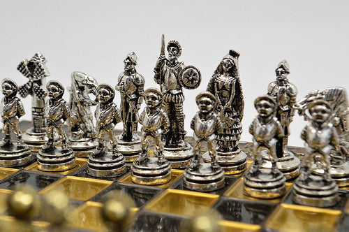 Spanish Chess Set - Brown