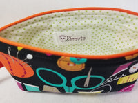 zippered bag for crafters