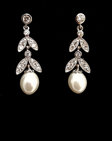 Bridal earrings - Diademe II pearl drop by Stephanie Browne
