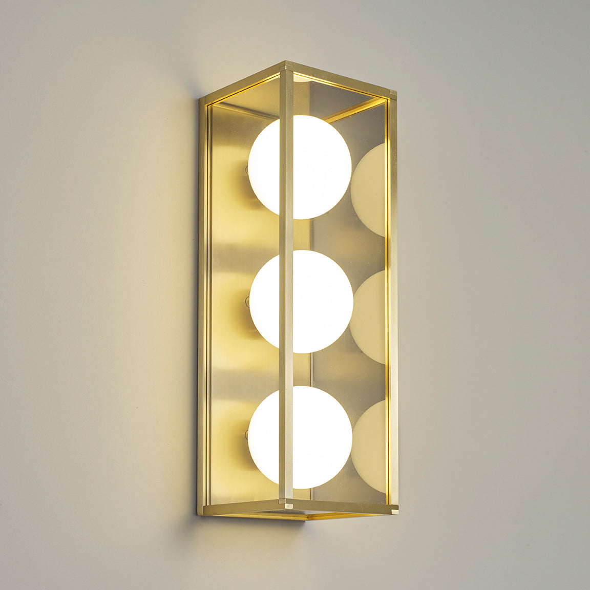 Pearl 3 Wall Light