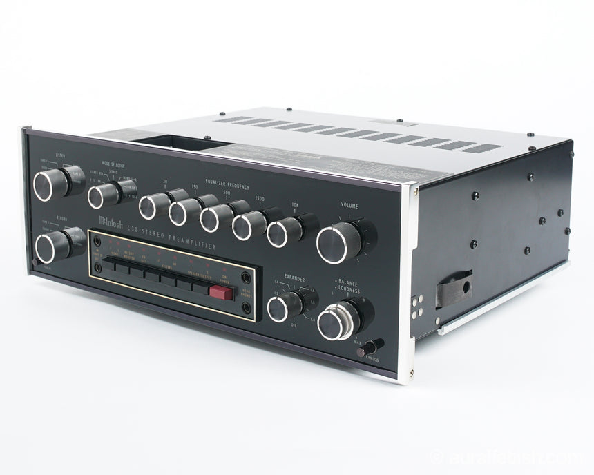 MCINTOSH C32 // SOLID STATE STEREO PREAMPLIFIER