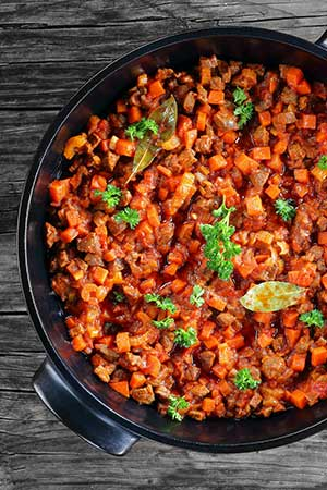VEGETABLE TOMATO AND THREE BEAN RAGU WITH BROWN RICE GF