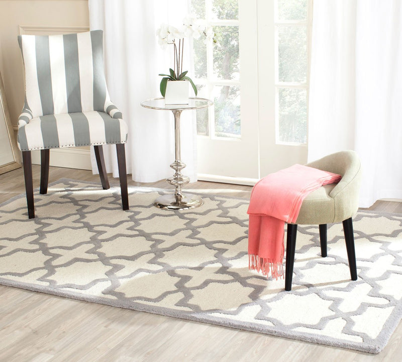 Safavieh Rugs Cambridge CAM125Y Ivory | Silver