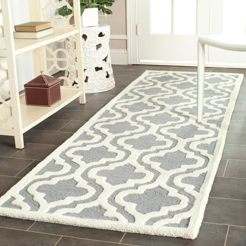 Safavieh Rugs Cambridge CAM132D Silver | Ivory
