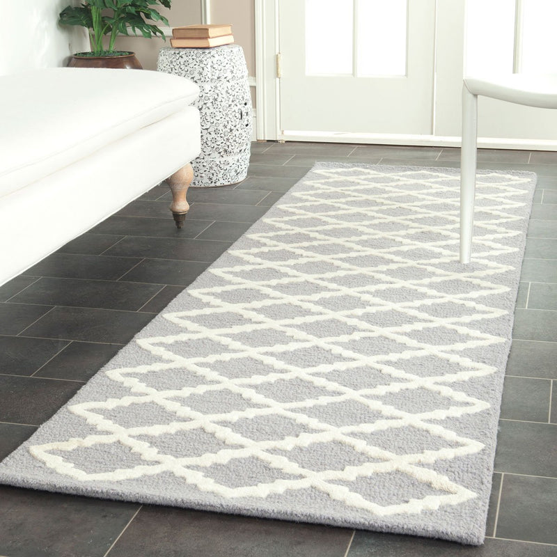Safavieh Rugs Cambridge CAM137D Silver | Ivory