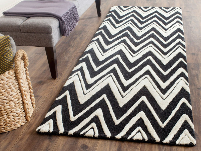 Safavieh Rugs Cambridge CAM711K Black | Ivory