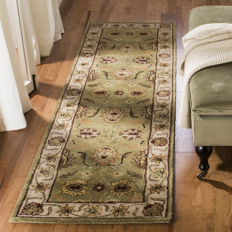 Safavieh Rugs Classic CL239D Light Green | Ivory