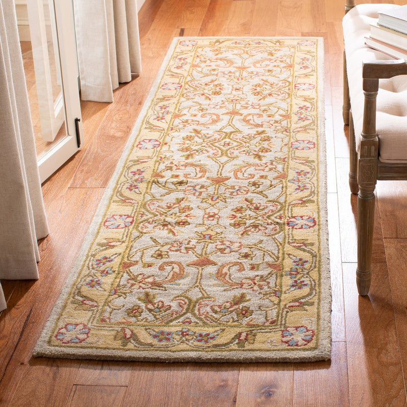 Safavieh Rugs Classic CL324B Grey | Light Gold